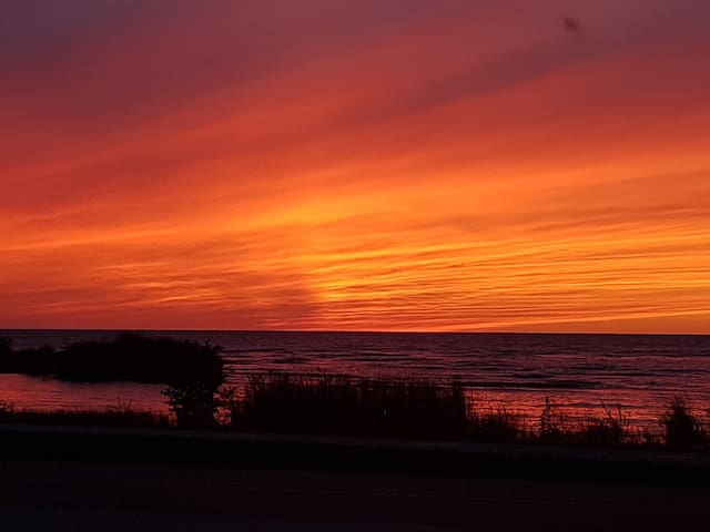 Beautiful lake huron sunset taken from in front of the cottage September 2018