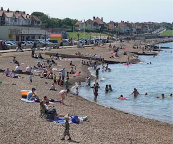 Self Contained Apartment at Herne Bay Beach - Herne Bay - Apartment