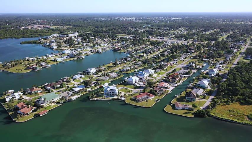 Lemon Bay Waterfront Paradise