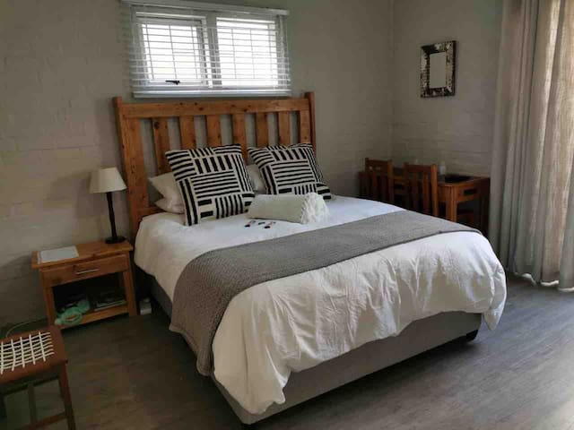 Hermanus 13 on 2nd Double Room