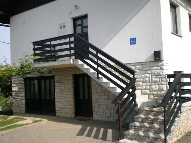 Apartman VI&MI Nikole Zrinskog 7 47240 SLUNJ