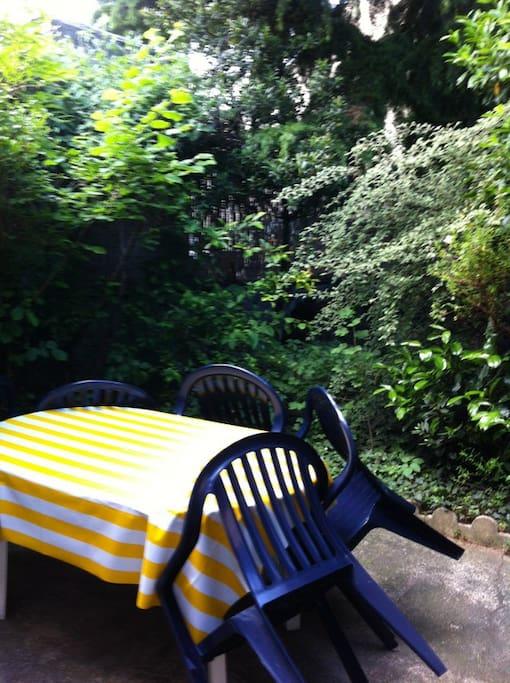Une terrasse pour un bon dîner au frais