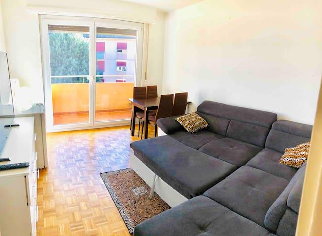 Sleep cheap in Lausanne center