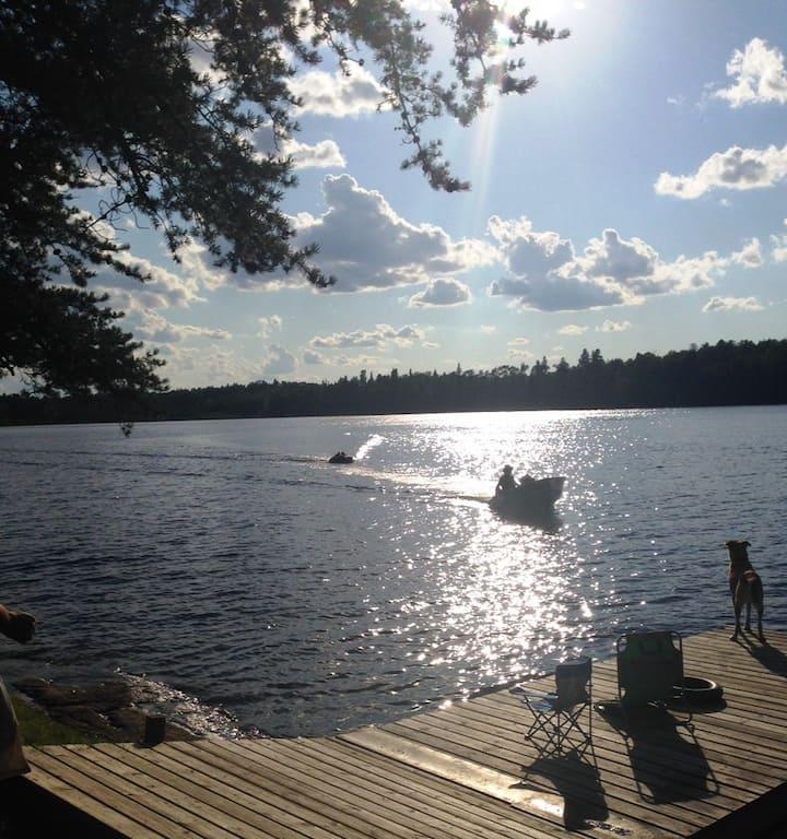 Beautiful 3 Bdr Lakefront Cottage