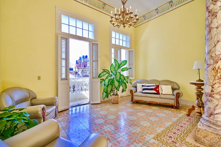 Casa Aguiar 207- Authentic stay in Old Havana # 1