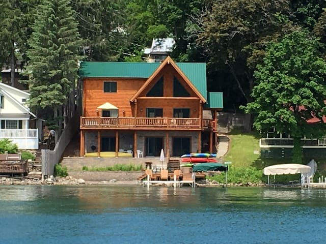 Waterfront, Luxurious Relaxing Cooperstown Stay