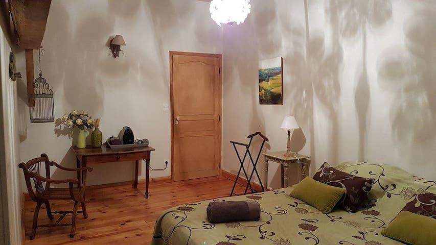 Chambre d'hôtes à 5 km de Langon - Auros - Casa