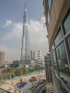 Burj & fountain view, LUX sleeps 4 - Dubai - Lejlighed