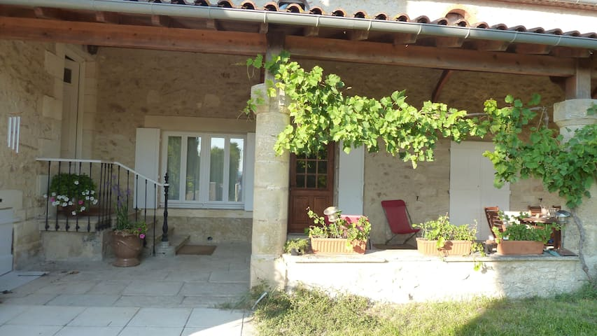 Gîte Bel–Air, en Val de Garonne - Sainte-Bazeille - House
