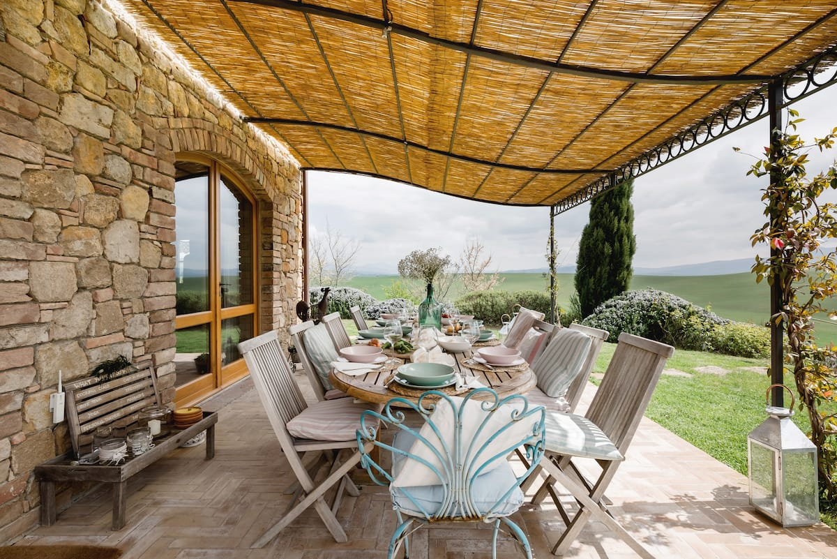 Stone Villa With a Saltwater Pool in Val d'Orcia
