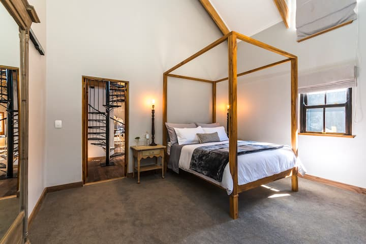 Hemingway Room in a luxury guesthouse