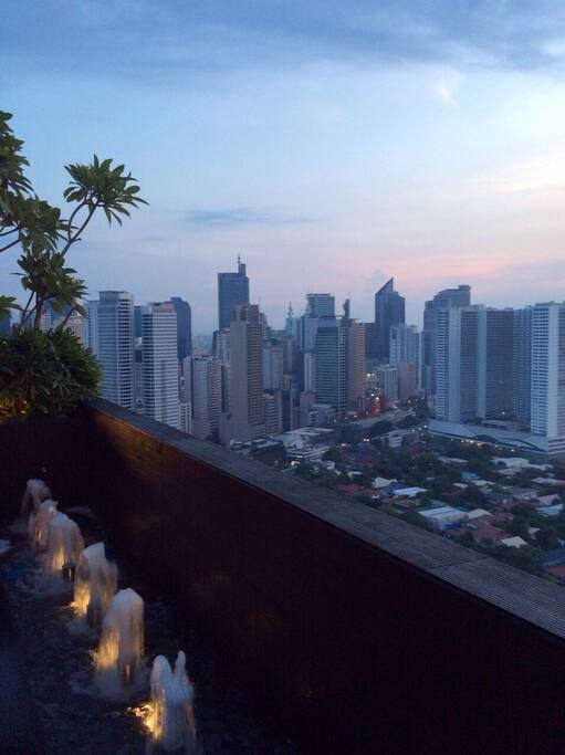View deck of the Makati skyline on the 35th floor