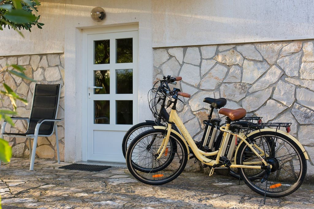 E- bike beauties