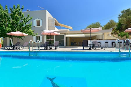 Almyros Villa with private pool and garden - Mathes