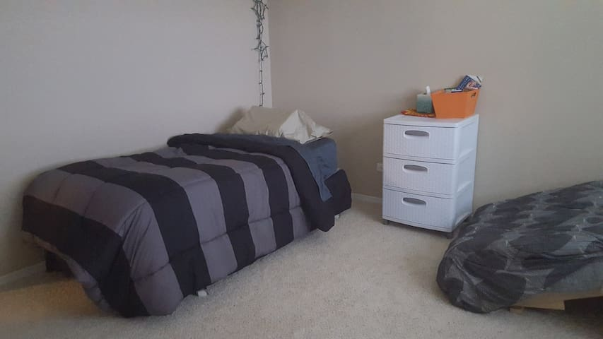 Comfy Bed/Free Parking - Bloomingdale - Apartment