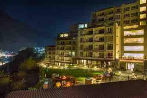 Aloha by Blissful Ganges(Delux Premium Apartment)