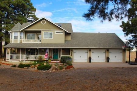 Large Home on Acreage - HGTV Style - Flagstaff