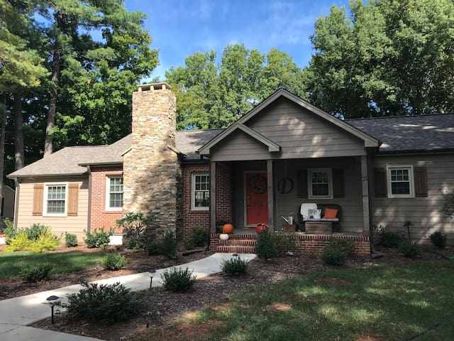 Beautiful Home in the Heart of Buena Vista