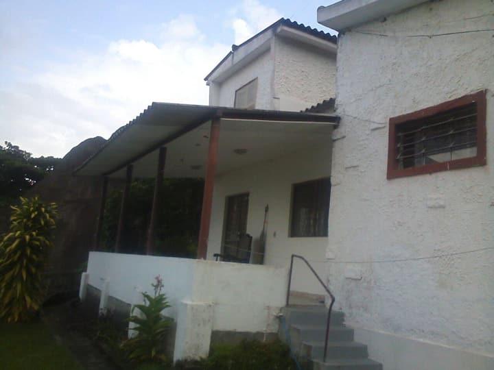 Casa grande em Ibicuí com vista para o mar