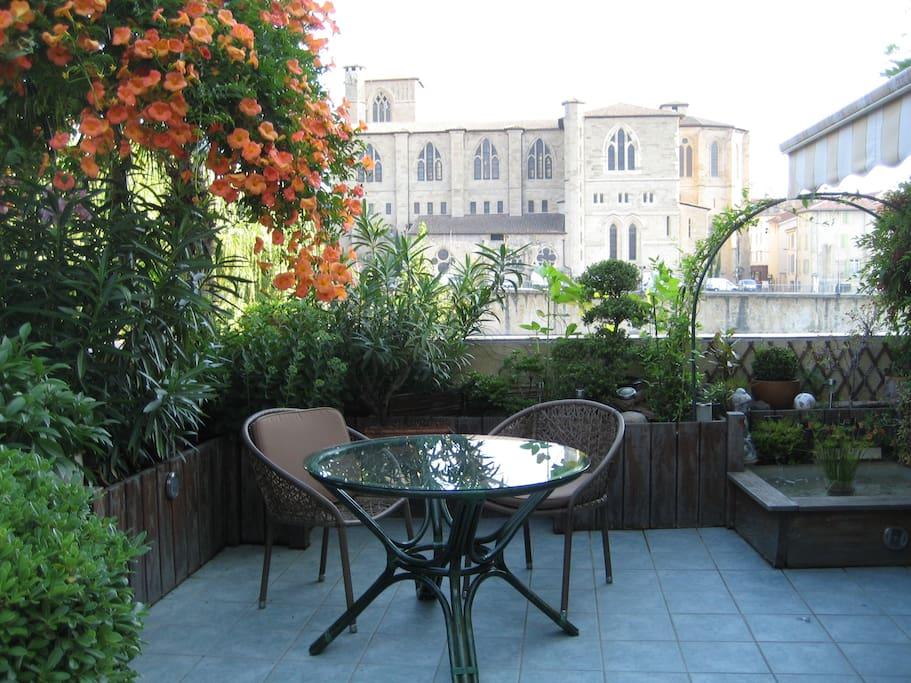 Logement climatis vue sur vieille ville romans for Piscine diabolo a bourg de peage