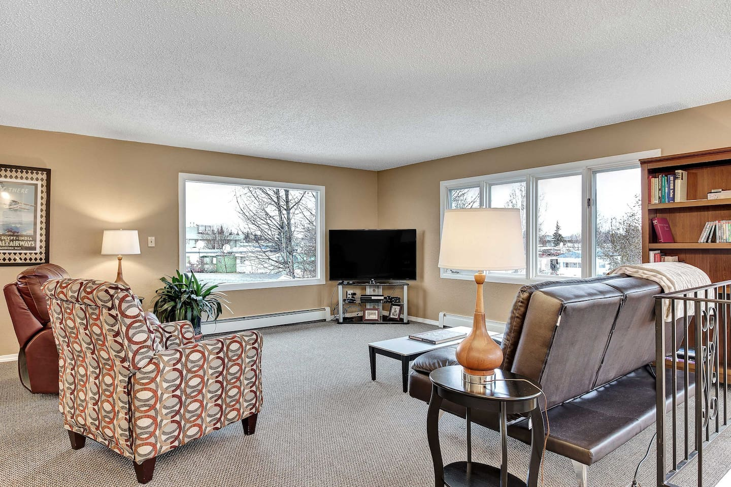 Experience all that Anchorage has to offer from this expansive vacation rental!