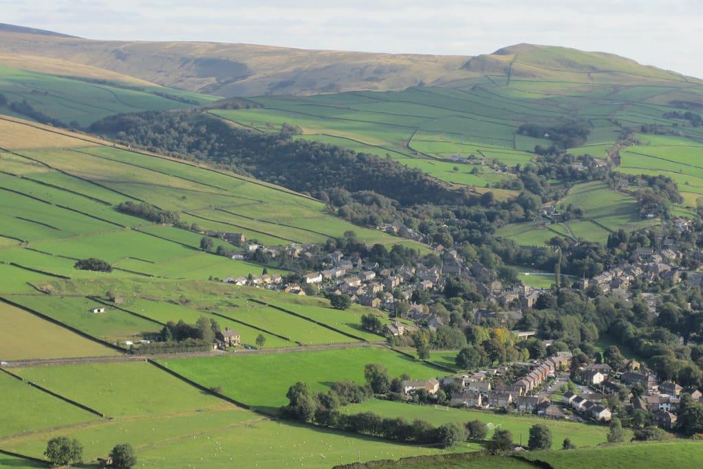 Hayfield village from Lantern Pike