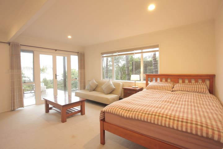 Big Bright Private Rooms in Beach Haven - Auckland - Villa
