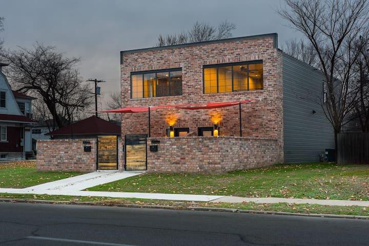 Club 1804 - Joplin - Huis