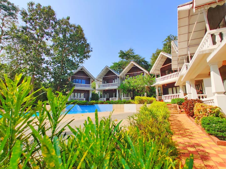Pocket Friendly AC Rooms with Pool near Calangute