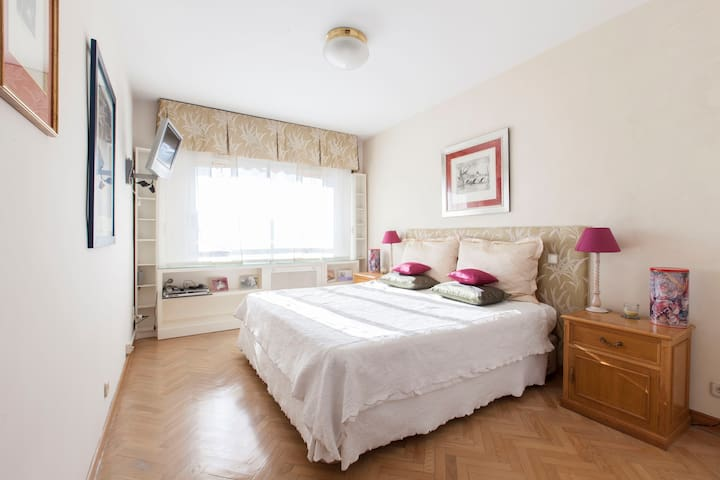 Lovely suite in Madrid suburb - Pozuelo de Alarcón - Wohnung