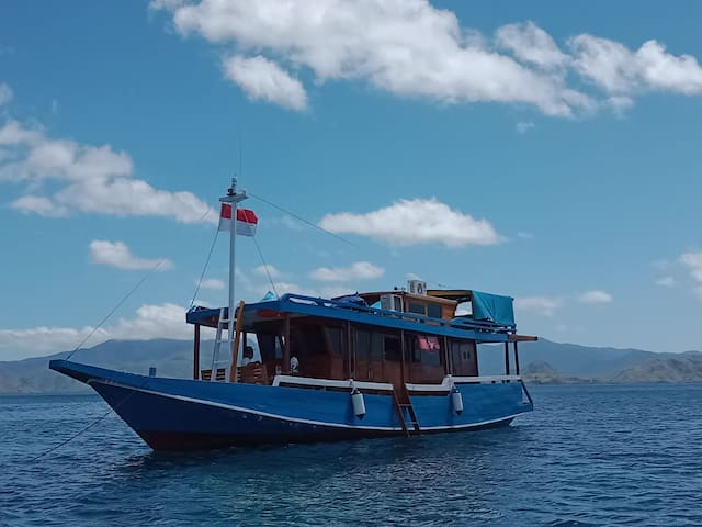 CALYPSO cruise Komodo 2D/1N 2 Cabins for 8 persons