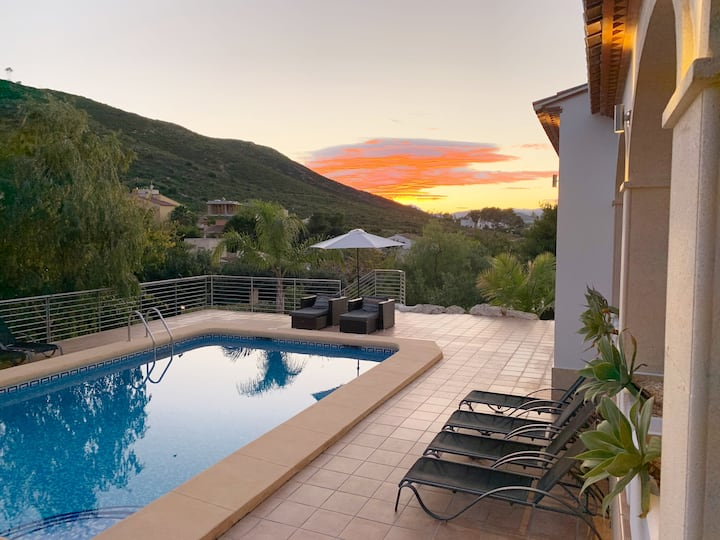 5* Villa private pool and an amazing view (8 pers)