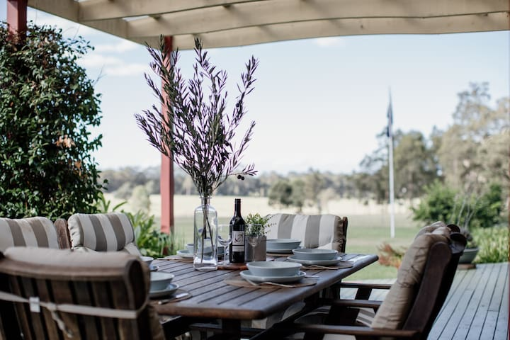 Huge Home, Country Stay close to Berry & Nowra