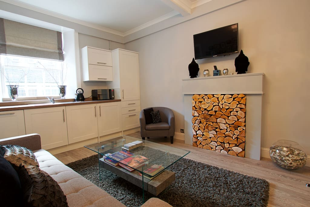 Luxury Castle View Apartment Old Town Sleeps 6 Apartments For Rent In Edinburgh Scotland