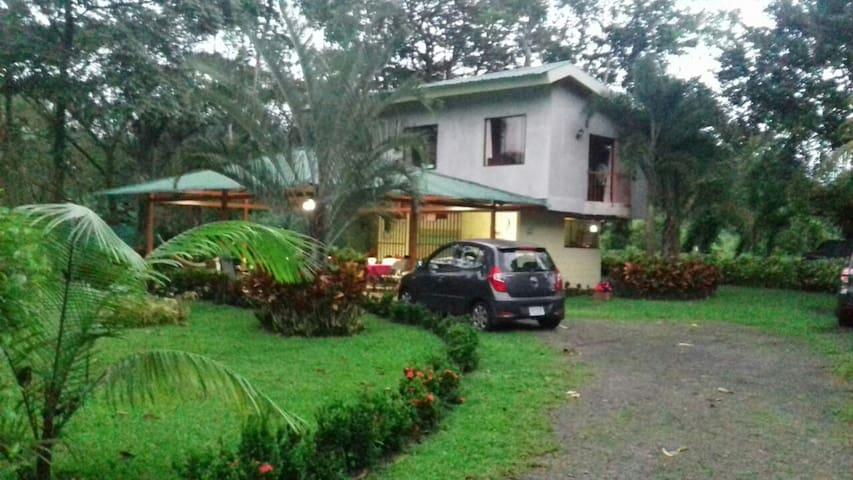 Habitación privada a sólo 30 minutos de La Fortuna
