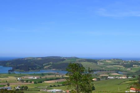 Apto 5 min playas ecoparque 30 minutos Santander - Arnuero