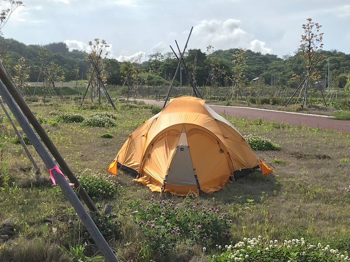 VE 25 North Face. Yes, it is a tent!!