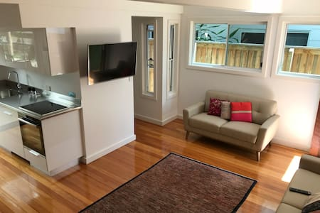 B&Ts Greenslopes Tranquil Retreat