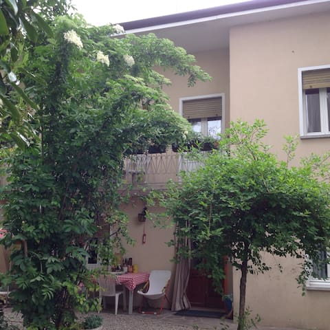 Urban House: Balena Spaziale - Oderzo - House