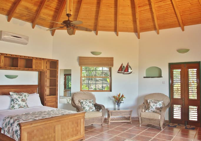 Palm Cottage is luxuriously furnished and has a beautiful vaulted roof