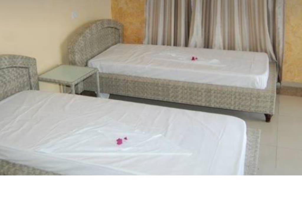 Chambre 1 avec 2 lit simple