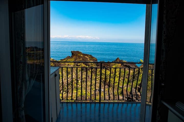 AcquaMarina15 Appartamento con terrazzo sul mare