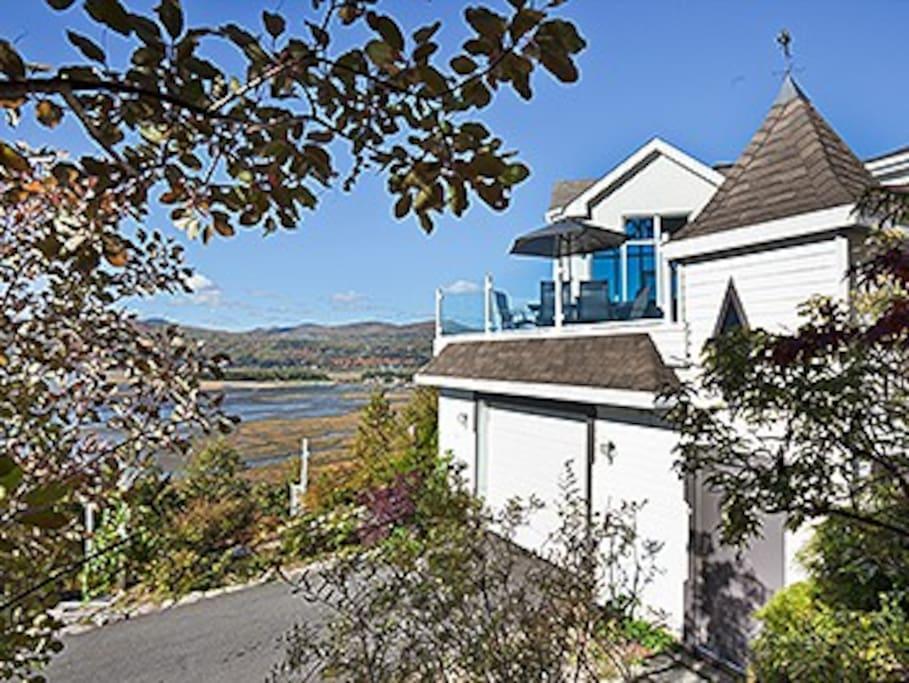 Maison bbcha houses for rent in baie saint paul qu bec for A la chouette maison baie st paul