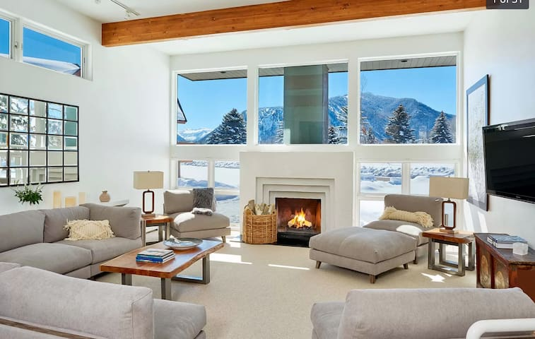 Aspen Golf Luxury Modern House impressive view 4B