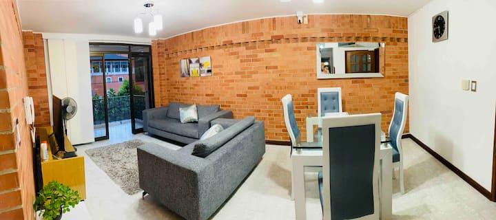 """Apartamento amplio y Cómodo en """"Cabecera"""""""