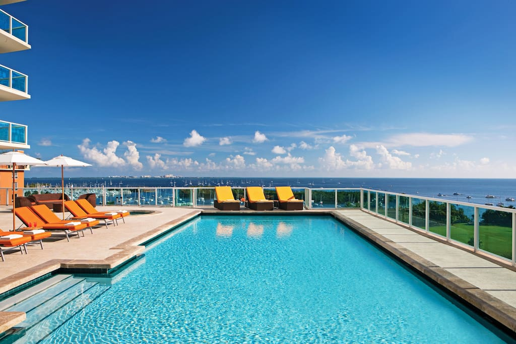 Sonesta pool with hot tub.  Order your favorite drink while watching the ocean.