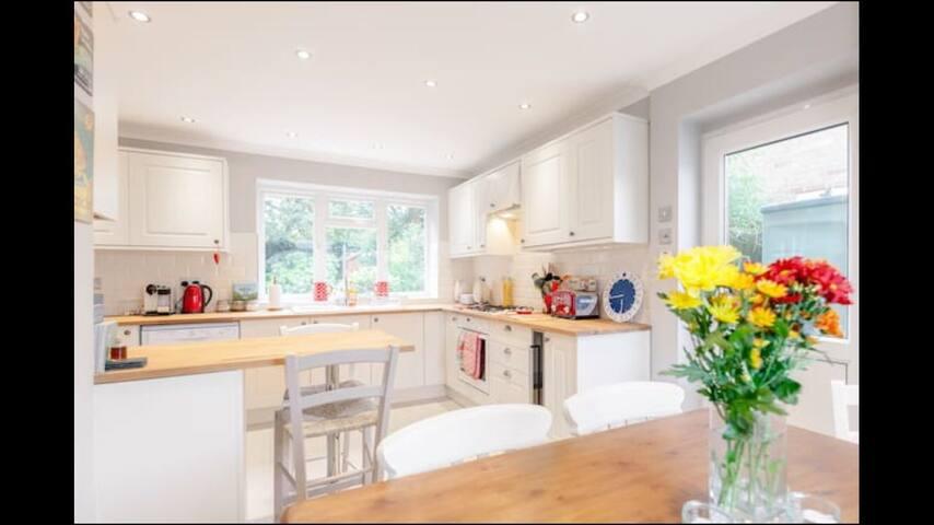 Lovely 2 bed house in Twickenham - Twickenham - Huis