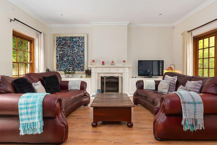 Lush 2-Bedroom Constantia Home