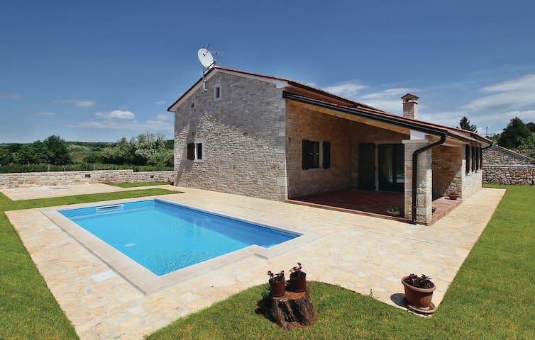 villa con piscina - Farini