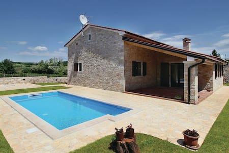 villa con piscina - Farini - Villa